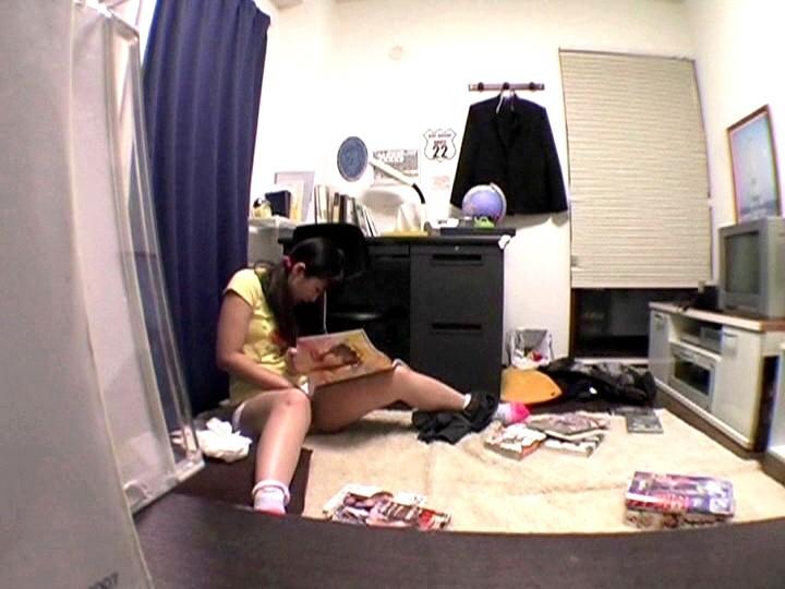 【悲報】妹の部屋を覗いた結果wwwwwwwwwww エロ本片手にこの体勢だったんだけどどうしたのコレwwwwwwwww(画像あり)・20枚目