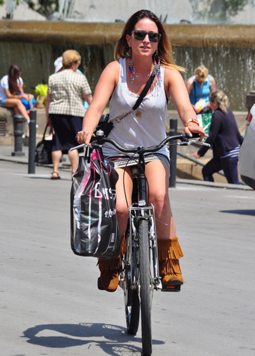ミニスカ自転車まんさん、、きちんと心の準備をしていた。(画像)・11枚目