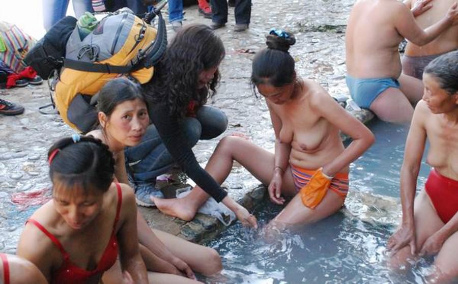 【異文化】恥じらいを知らない人種、中国人の混浴温泉が割と天国だった件wwwwwwwwwwwwwwwwwwwwww(画像あり)・13枚目