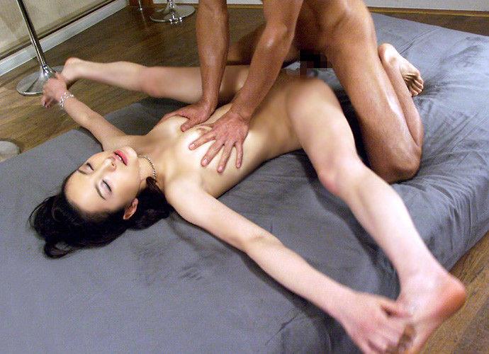 【プロフェッショナル】中国雑技団なみの技を披露する日本のAV、世界で高評価wwwwwwwwwwww(画像あり)・13枚目