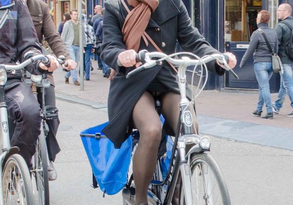 ミニスカ自転車まんさん、、きちんと心の準備をしていた。(画像)・16枚目