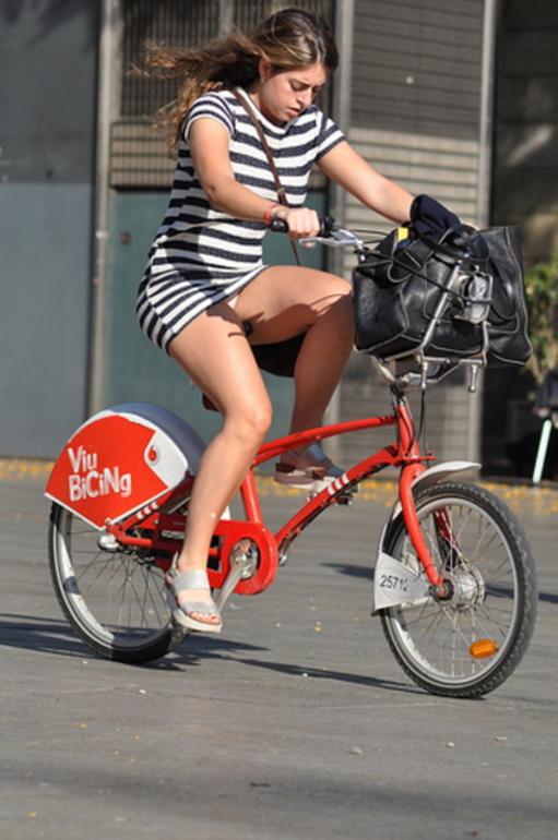 ミニスカ自転車まんさん、、きちんと心の準備をしていた。(画像)・18枚目
