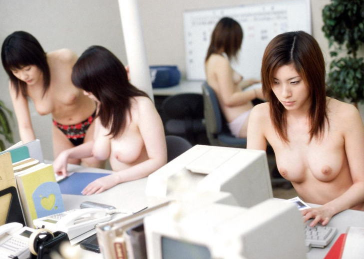 【やりすぎ注意】上司「明日からクールビズで!」女性社員「はーい!」→とんでもない事にwwwwwwwwwwww(画像あり)・12枚目