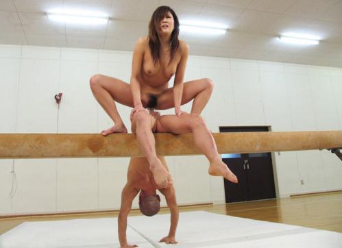 【プロフェッショナル】中国雑技団なみの技を披露する日本のAV、世界で高評価wwwwwwwwwwww(画像あり)・20枚目