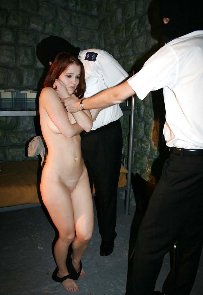 【生き地獄】海外の女性刑務所で囚人がモノ扱いされてる現場、、、壮絶だけどエロ杉内?(画像)・21枚目