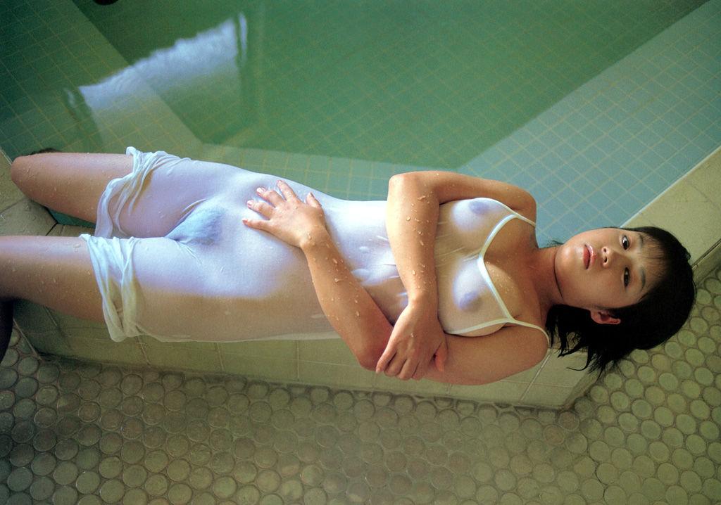 【フェティシズム】「チラ見以上、全裸未満」のマニアが好むラインがコレらしい。(画像あり)・21枚目