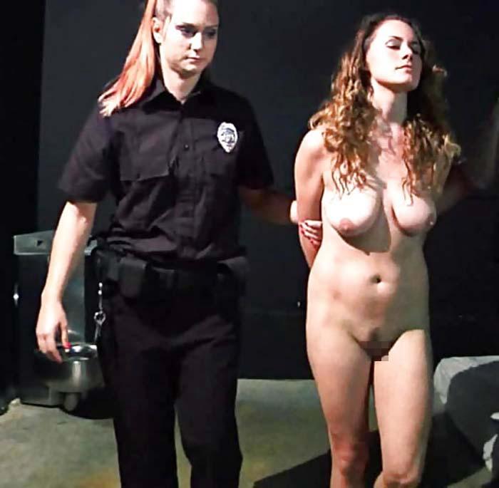 【生き地獄】海外の女性刑務所で囚人がモノ扱いされてる現場、、、壮絶だけどエロ杉内?(画像)・24枚目