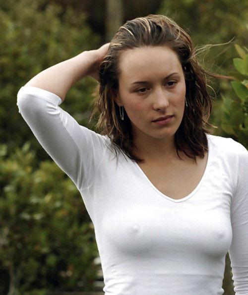 【透け乳注意】濡れるとわかっていて白Tシャツを着て来るノーブラ女子、有能(you know)wwwwwwwwwwwwww(画像あり)・26枚目