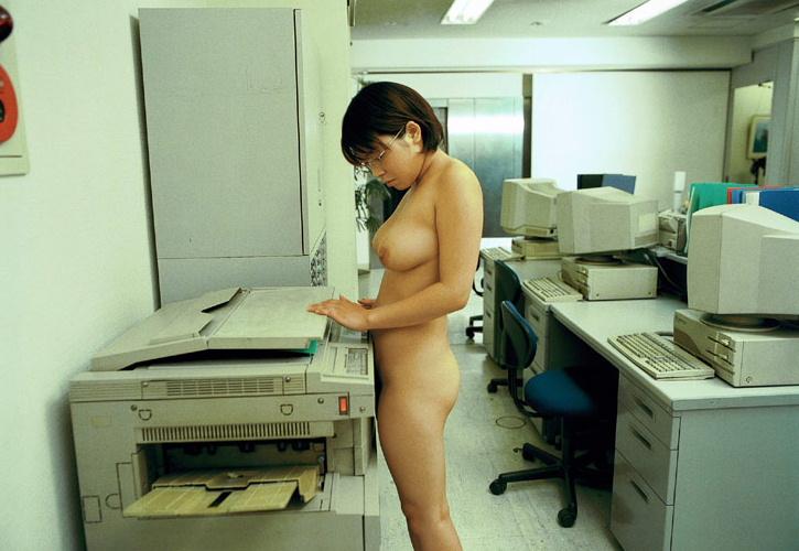 【やりすぎ注意】上司「明日からクールビズで!」女性社員「はーい!」→とんでもない事にwwwwwwwwwwww(画像あり)・20枚目