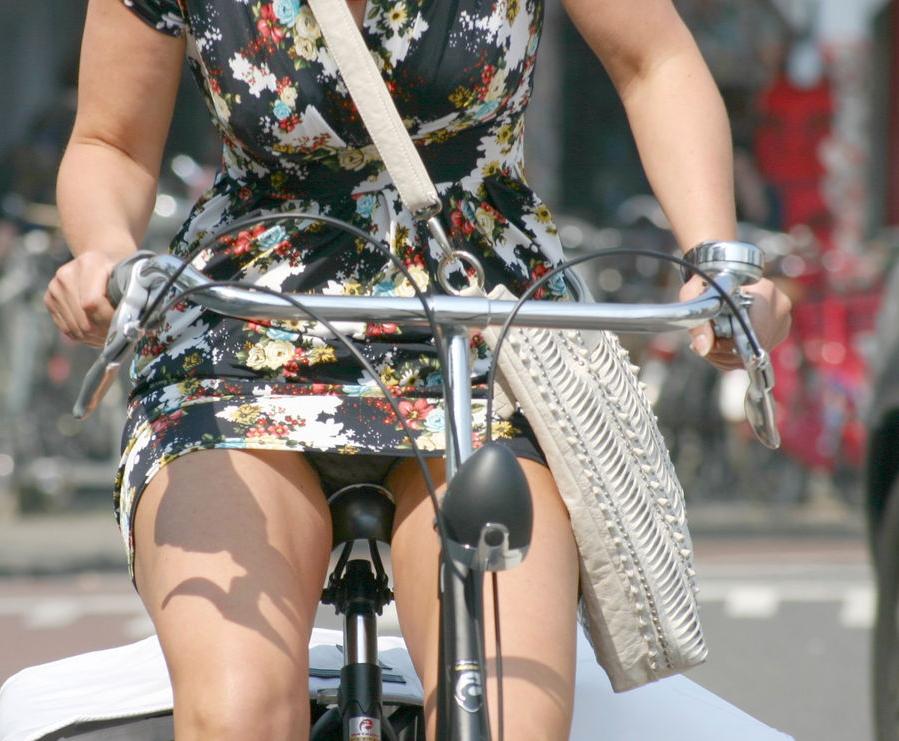 ミニスカ自転車まんさん、、きちんと心の準備をしていた。(画像)・5枚目