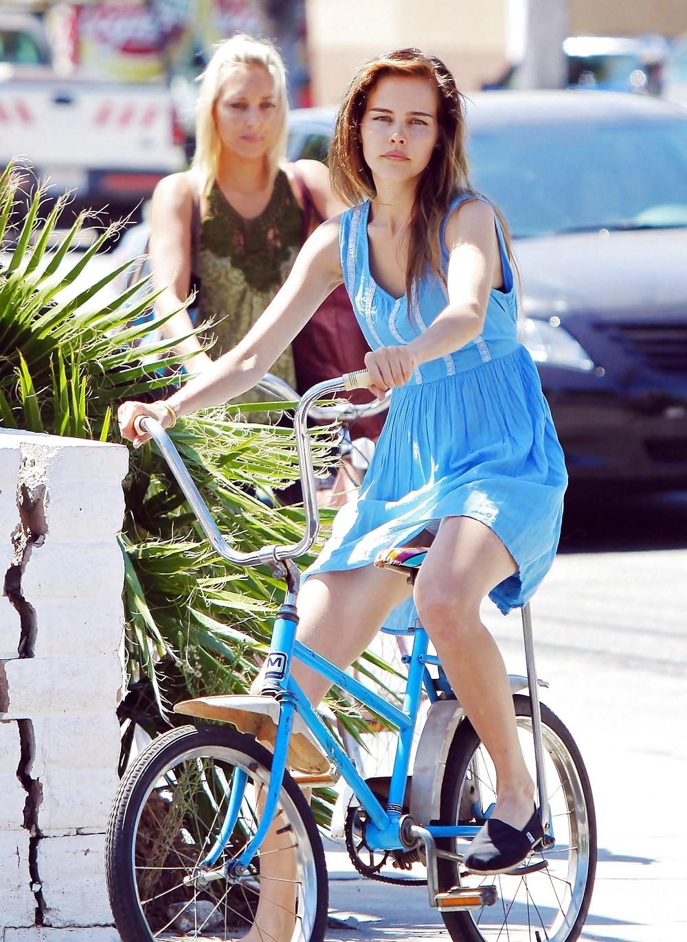 ミニスカ自転車まんさん、、きちんと心の準備をしていた。(画像)・6枚目