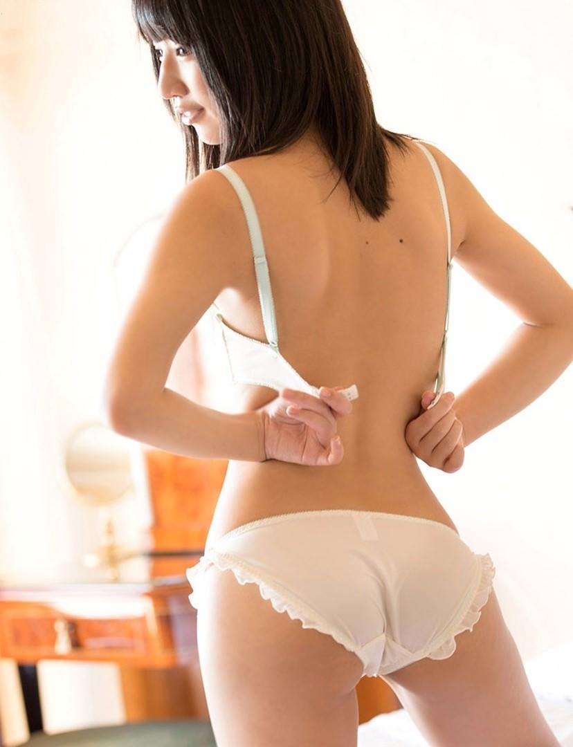 【エロ画像】ブラホックを外すのは男、付けるのは女っていう風潮wwwwwwwwwwwww・19枚目