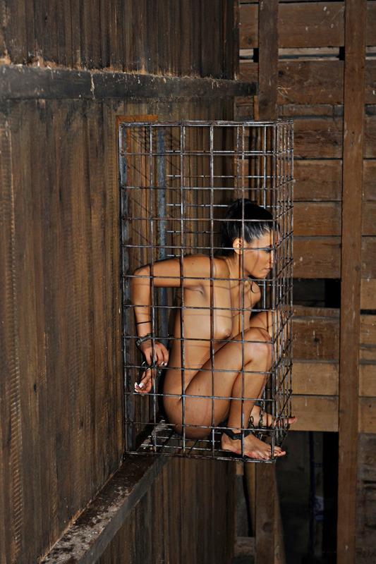 【胸糞注意】世界の富豪に売買された性奴隷の末路・・・(画像あり)・24枚目