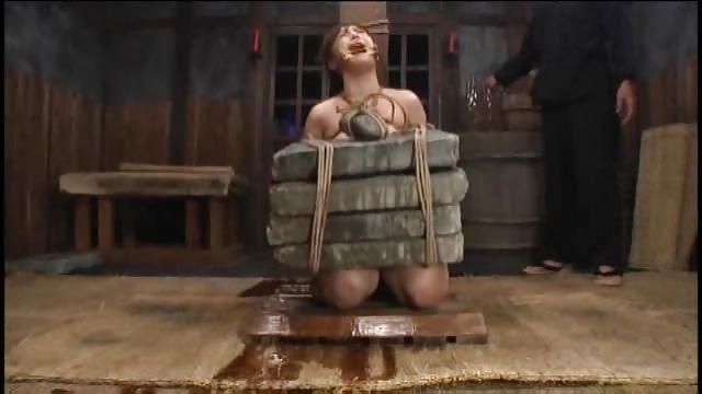 「石抱」とかいう江戸時代に行われていた拷問方法・・・(画像19枚)・1枚目