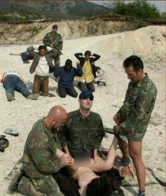 【胸糞注意】兵士が現地民をレイプしてる画像貼ってく。(画像16枚)・12枚目