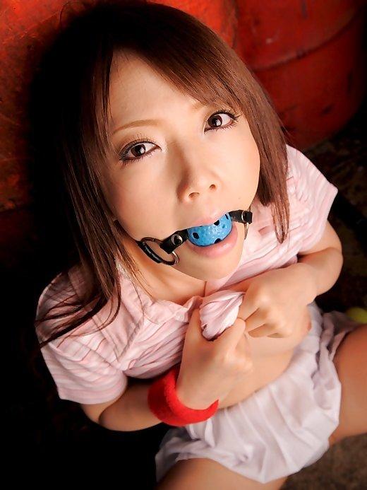 【エロ画像】ドS男が女の口にブチ込みたいモノは 「チンポ < コレ」 らしいという事実。(画像30枚)・19枚目