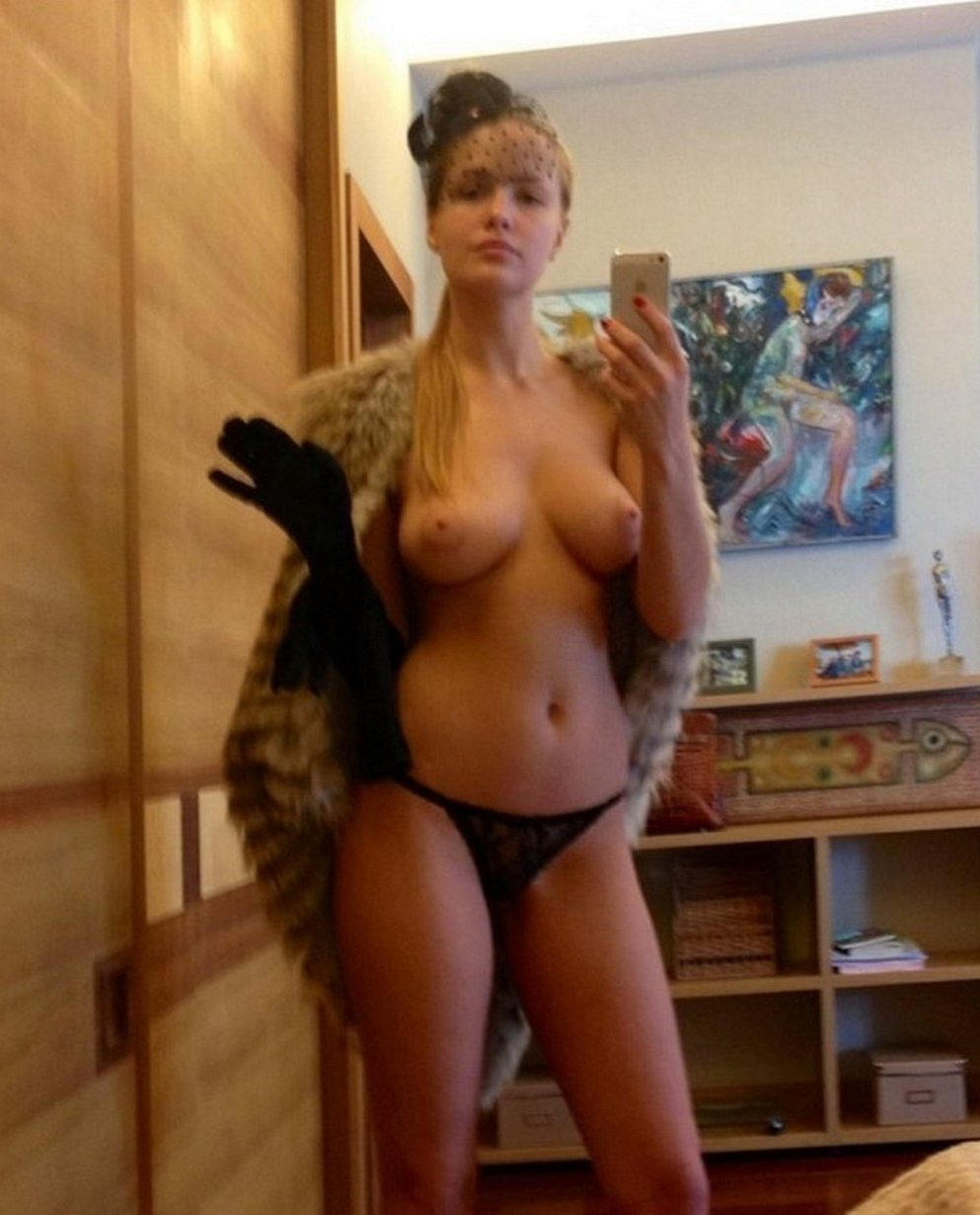 世界屈指の美女大国ロシアでSNSにアップされる自撮り画像ぐぅシコワロタwwwwwwwwwwwwwwwwwww(※画像あり)・19枚目