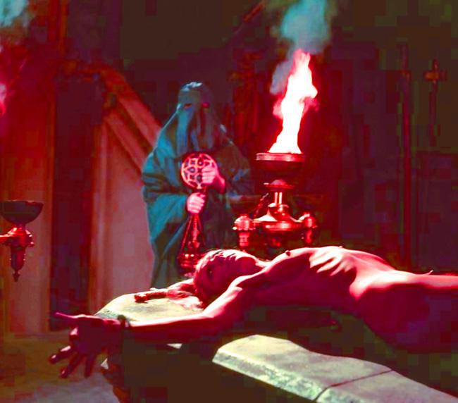 【トラウマ注意】女を生贄にする海外のガチ儀式がマジで足が震えるレベルな件・・・(画像27枚)・23枚目