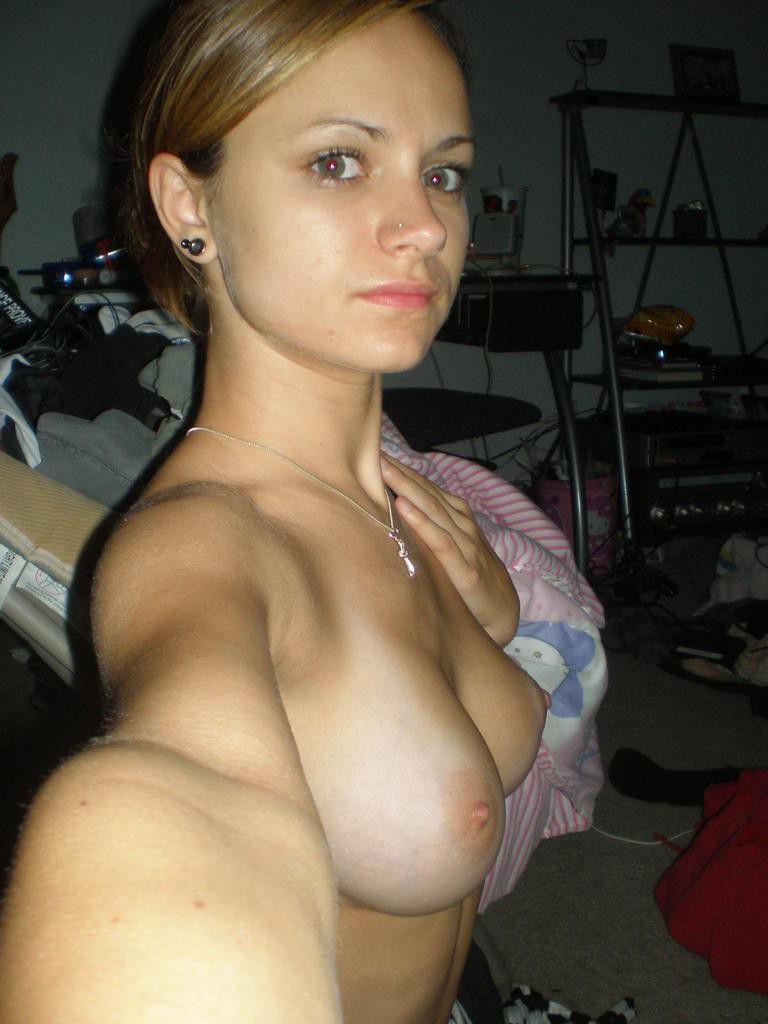 世界屈指の美女大国ロシアでSNSにアップされる自撮り画像ぐぅシコワロタwwwwwwwwwwwwwwwwwww(※画像あり)・24枚目