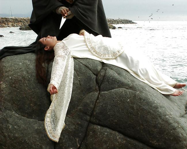 【トラウマ注意】女を生贄にする海外のガチ儀式がマジで足が震えるレベルな件・・・(画像27枚)・27枚目