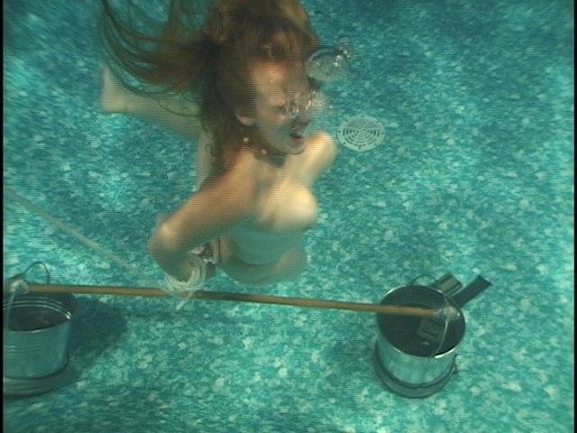 【エロ画像】死ぬ一歩手前まで拷問しないと興奮しない男に出会った女性、最後は溺死する模様。。(閲覧注意)・29枚目