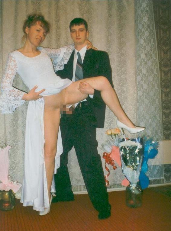 【エロ画像】変態カップルが結婚式を行った結果。親族全員メンタルボロボロでワロタwwwwww・12枚目
