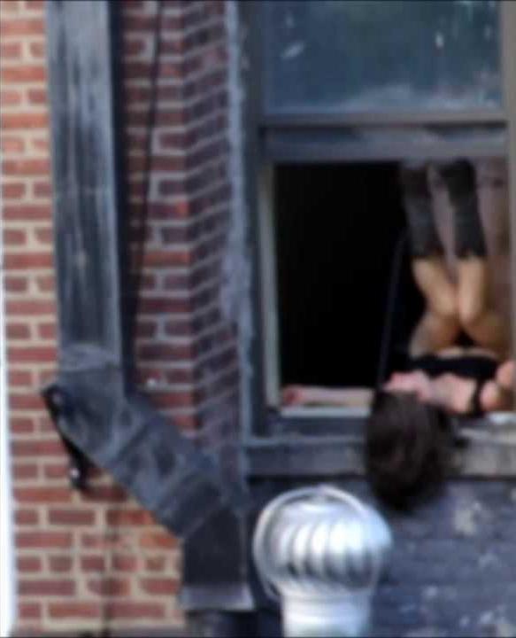 【注意警鐘】カーテンを開けてセクロスしてるカップルさんが自分達が如何に危険か画像から学ぶスレ。(画像28枚)・14枚目