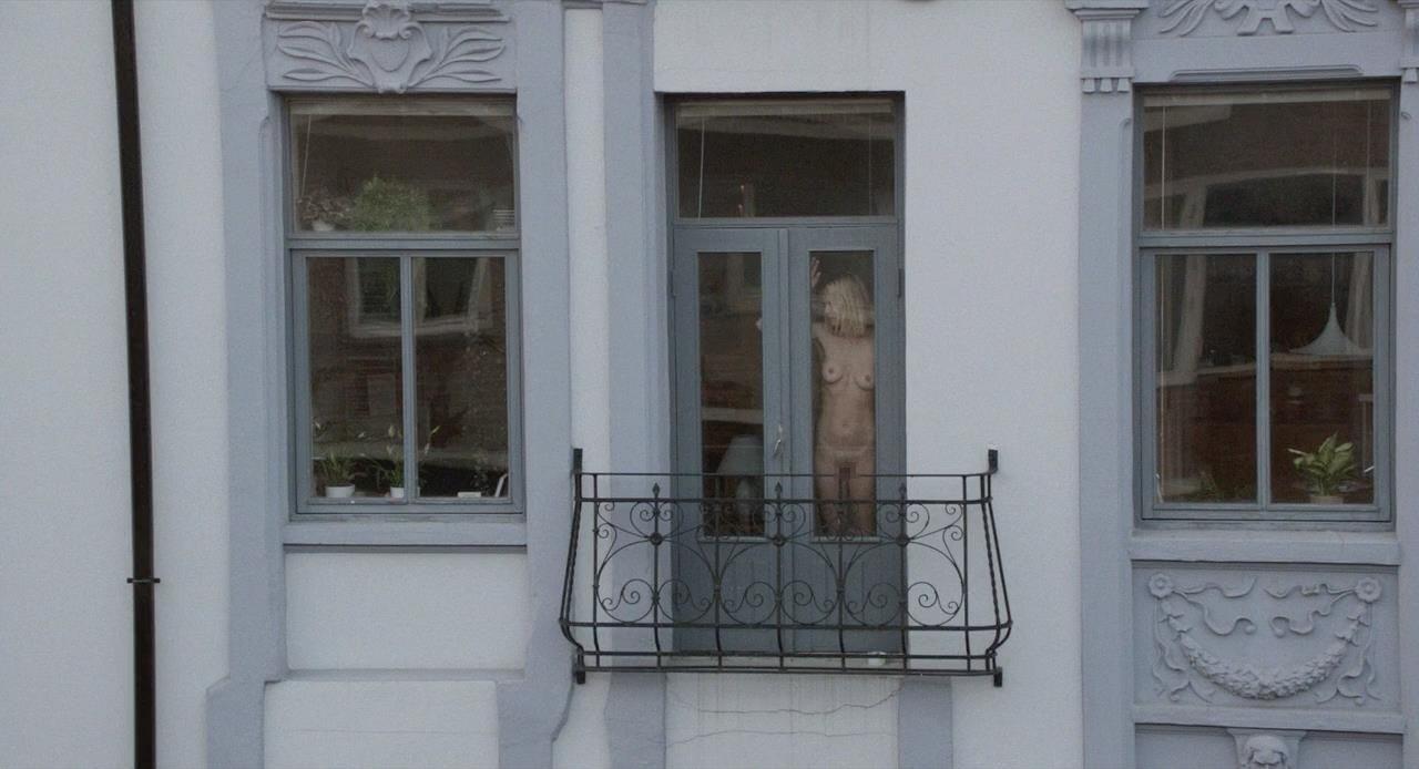 【注意警鐘】カーテンを開けてセクロスしてるカップルさんが自分達が如何に危険か画像から学ぶスレ。(画像28枚)・16枚目