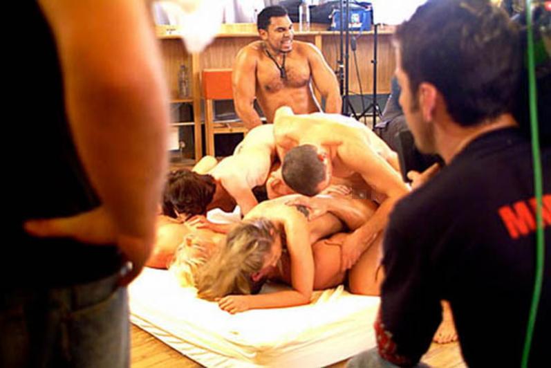 【エロ画像】本場ポルノ動画の撮影現場の様子。ん~~、これはエンターテインメントwwwwwwww・18枚目