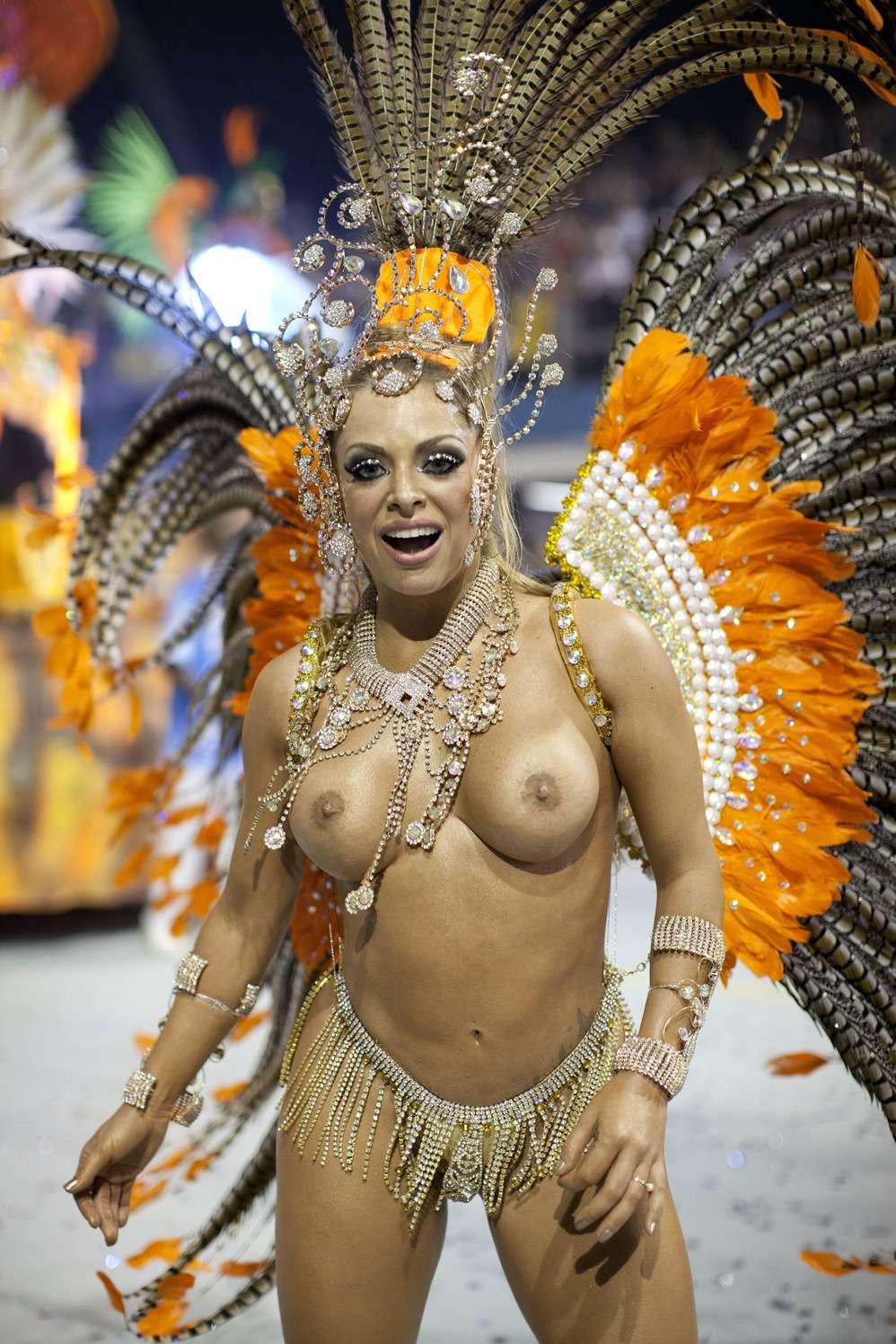 【エロ画像】世界最大の「露出祭り」サンバカーニバルとかいう祭りの様子wwwwwwwwwwwwwww・2枚目