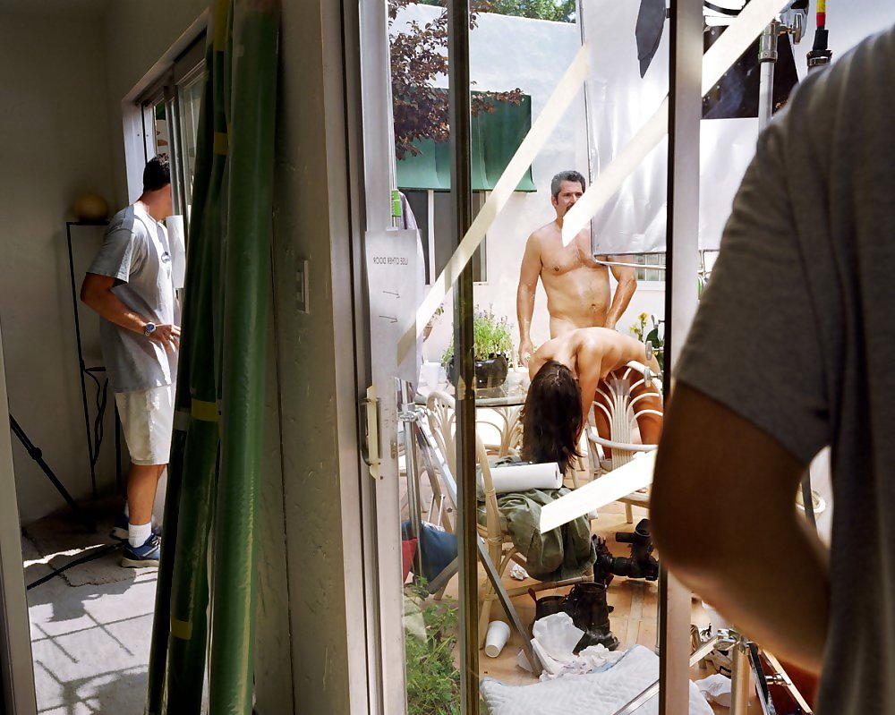 【エロ画像】本場ポルノ動画の撮影現場の様子。ん~~、これはエンターテインメントwwwwwwww・2枚目