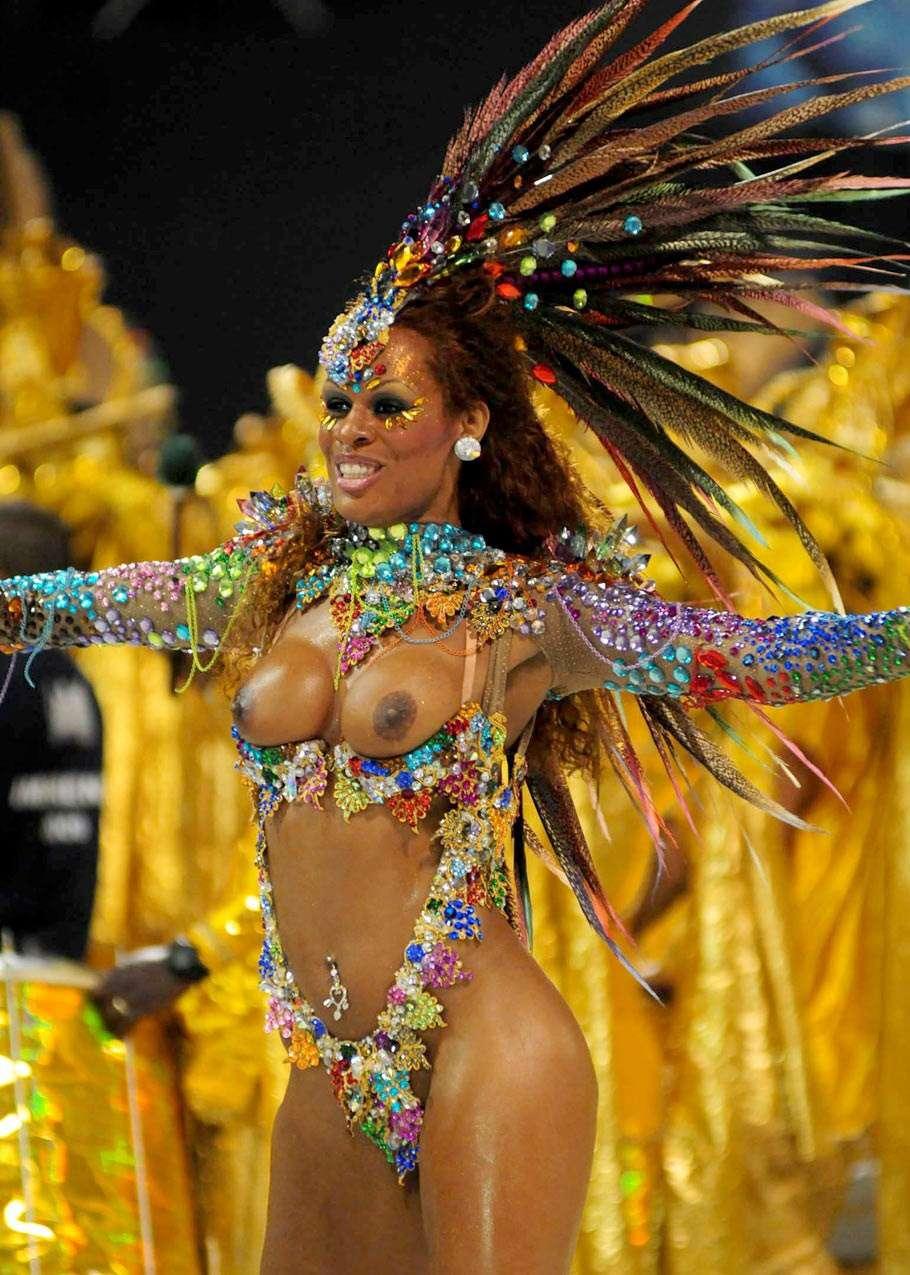 【エロ画像】世界最大の「露出祭り」サンバカーニバルとかいう祭りの様子wwwwwwwwwwwwwww・20枚目