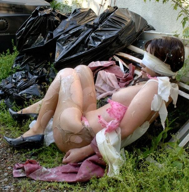 【 胸 糞 注 意 】 レ イ プ 被 害 を 受 け た 直 後 の 女 性 た ち 3 0 人 を ご 覧 く だ さ い ・ ・ ・・22枚目