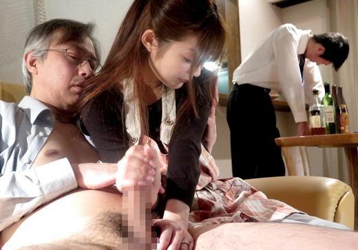 【NTR】旦那の目の前でレイプされる人妻を見て興奮するなんJ闇深スレ部。(画像あり)・25枚目