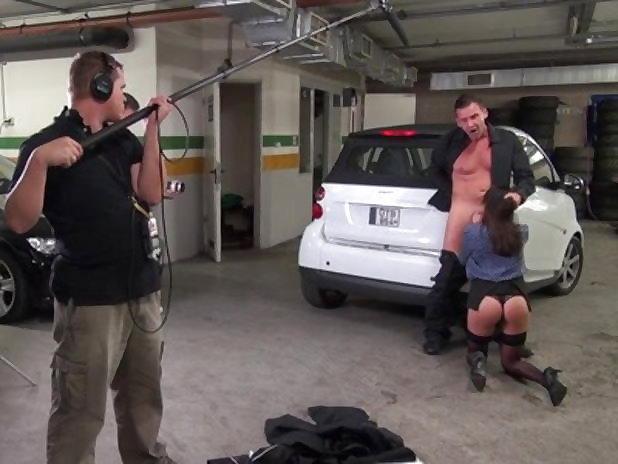 【エロ画像】本場ポルノ動画の撮影現場の様子。ん~~、これはエンターテインメントwwwwwwww・26枚目