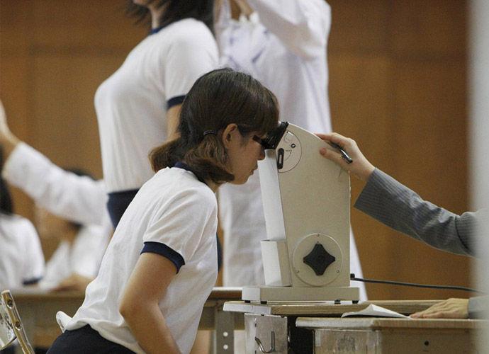 【炉利紺】小学校の近所に内科医を開業する医者の役得wwwwwwwwww(画像あり)・24枚目