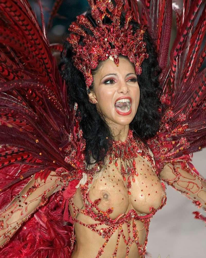 【エロ画像】世界最大の「露出祭り」サンバカーニバルとかいう祭りの様子wwwwwwwwwwwwwww・28枚目