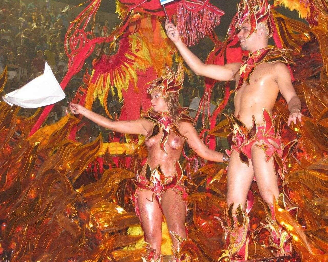 【エロ画像】世界最大の「露出祭り」サンバカーニバルとかいう祭りの様子wwwwwwwwwwwwwww・3枚目