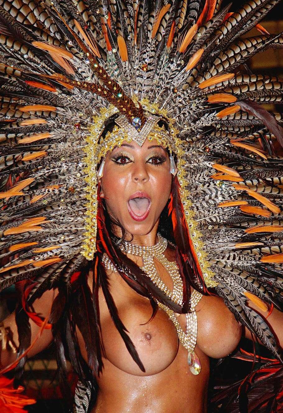 【エロ画像】世界最大の「露出祭り」サンバカーニバルとかいう祭りの様子wwwwwwwwwwwwwww・30枚目