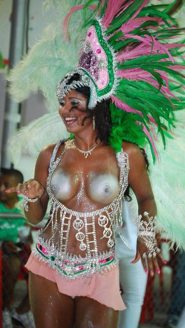 【エロ画像】世界最大の「露出祭り」サンバカーニバルとかいう祭りの様子wwwwwwwwwwwwwww・4枚目