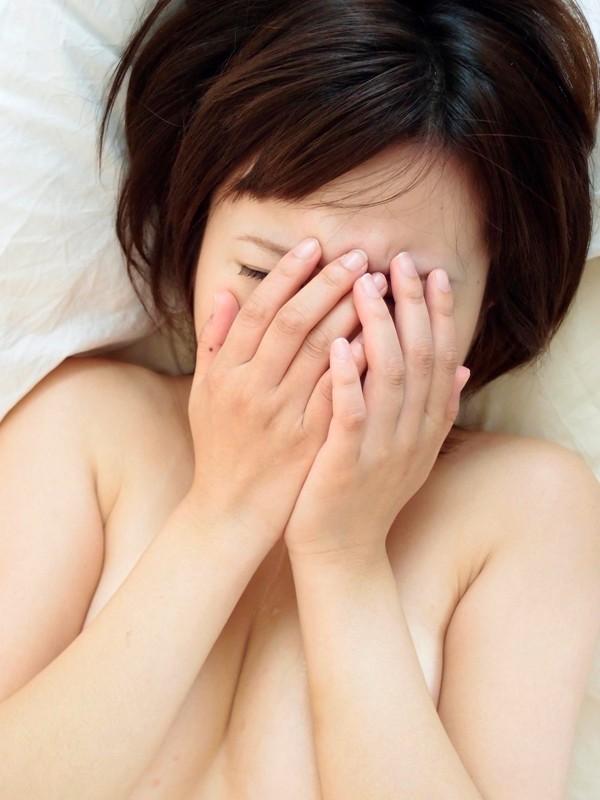 【号泣注意】セクシー女優さんが現場でリアルな涙を流してる自業自得だけど闇の深い画像を貼ってく。(画像24枚)・4枚目