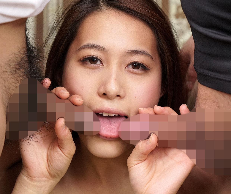 【エロ画像】欲張りまんさん、2本のチンポを一気に咥えようとするもチンポ同士が接触するのマジで無理wwwwwwwwwwww・4枚目