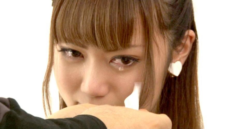 【号泣注意】セクシー女優さんが現場でリアルな涙を流してる自業自得だけど闇の深い画像を貼ってく。(画像24枚)・6枚目