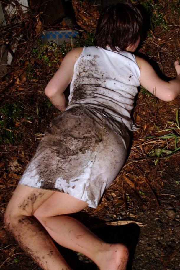 【 胸 糞 注 意 】 レ イ プ 被 害 を 受 け た 直 後 の 女 性 た ち 3 0 人 を ご 覧 く だ さ い ・ ・ ・・7枚目