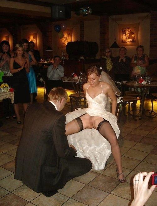 【エロ画像】変態カップルが結婚式を行った結果。親族全員メンタルボロボロでワロタwwwwww・8枚目