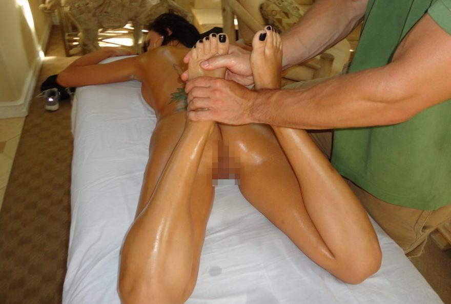 【エロ画像】全裸必須の本場マッサージ、これで欲情しないマッサージ師の精神鋼だろ。。。(画像22枚)・9枚目