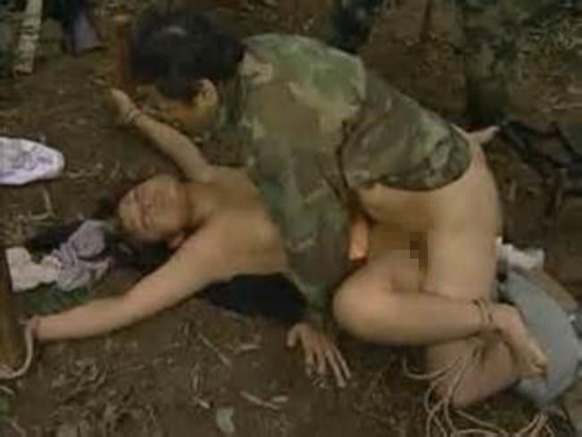 【胸糞注意】戦争真っ只中の現地民は兵士にレイプされるという事実・・・こいつらA級戦犯やな。(画像あり)・10枚目