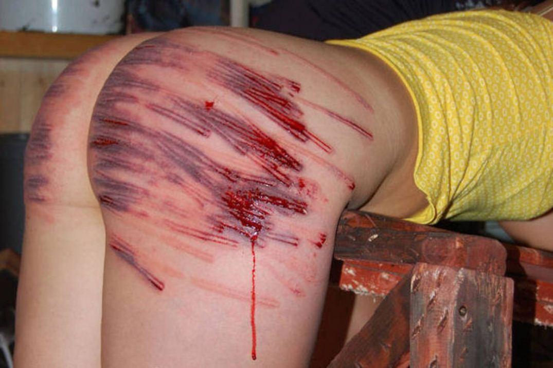 【※生傷注意】「これ拷問??」と勘違いする本場のSMをご覧ください・・・(画像あり)・11枚目