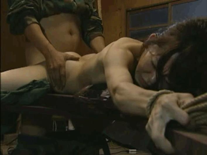 【胸糞注意】戦争真っ只中の現地民は兵士にレイプされるという事実・・・こいつらA級戦犯やな。(画像あり)・12枚目