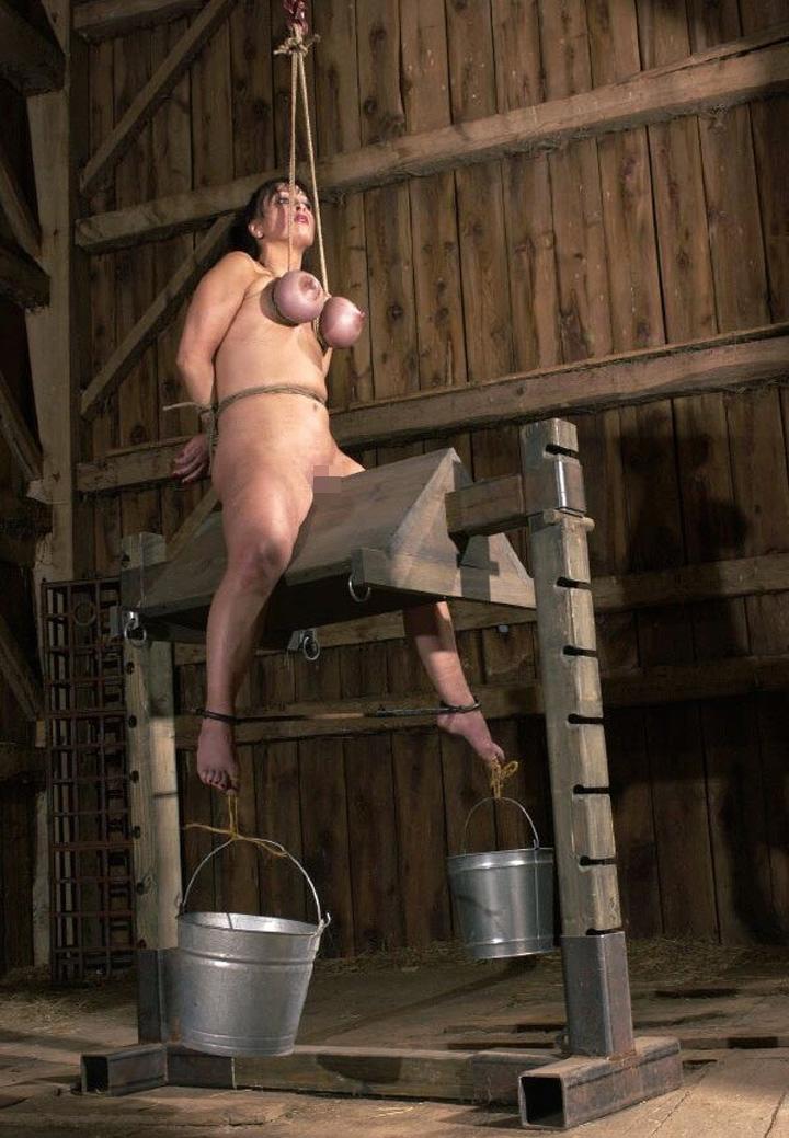 【※生傷注意】「これ拷問??」と勘違いする本場のSMをご覧ください・・・(画像あり)・14枚目